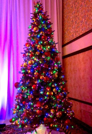 holiday decoration rental